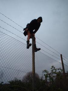 bristol_avon_street_kate_rich_barbed_wire_fence_climbing02